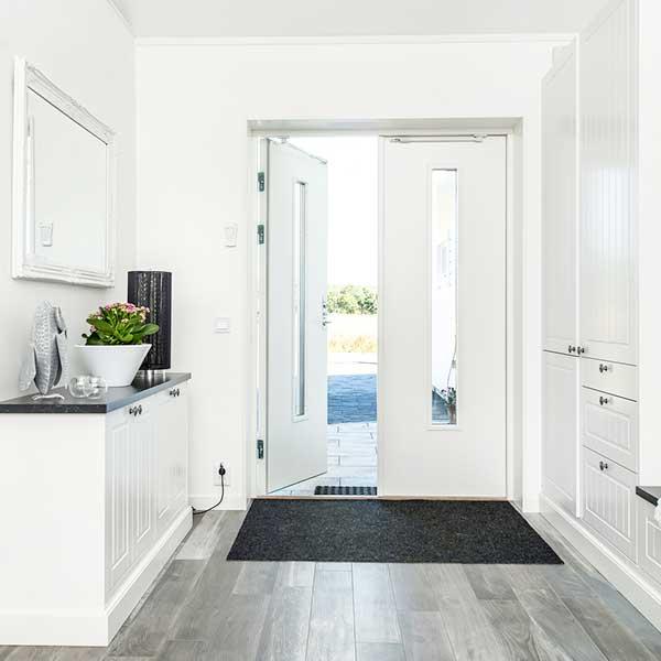 大阪府大東市の北欧住宅建材販売オストコーポレーション関西の取り扱いブランド北欧スウェーデン製木製ドアSNICKAR-PER社