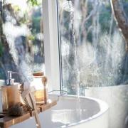 自然を愛し、シンプルな生活を愛する北欧の人々は洗面ボウルも機能的で使い勝手のよいもの そして心地よく身支度でかけるようにデザインにもナチュラルな雰囲気のものを選んでいます。 弱くなった水回りも素敵にリフォームしませんか?