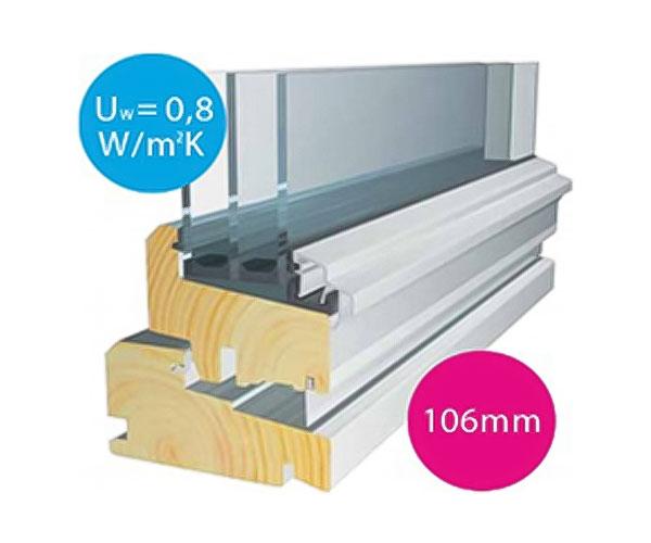 断熱性能を高めるためにガラス厚と空気層にこだわった三層ガラスと枠構造