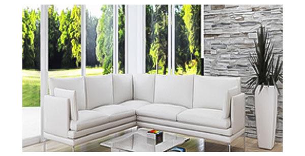 気密性能や遮音性能にも秀でた木製三層ガラス窓