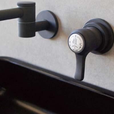 大阪府大東市の北欧住宅建材販売オストコーポレーション関西のキッチンの水栓・水道